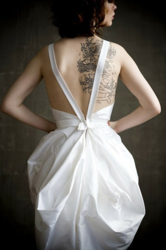 Picture Of gorgeous brides that embrace their tattoos  22