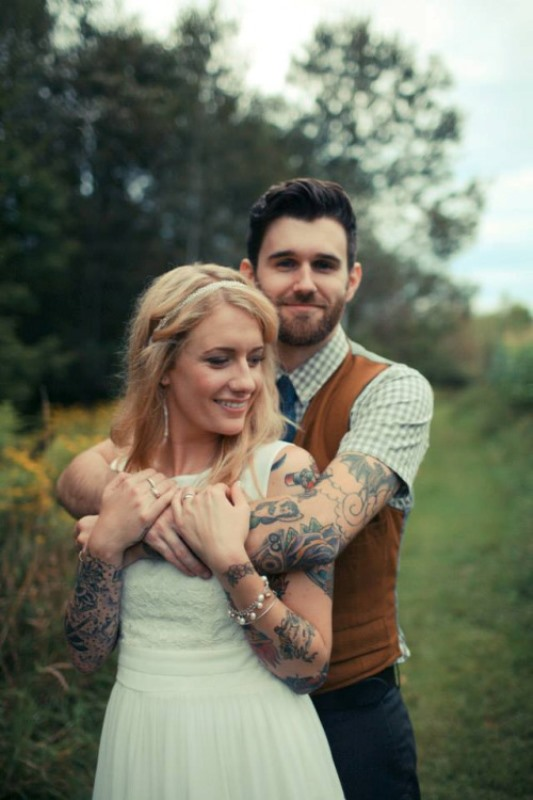 Picture Of gorgeous brides that embrace their tattoos  23