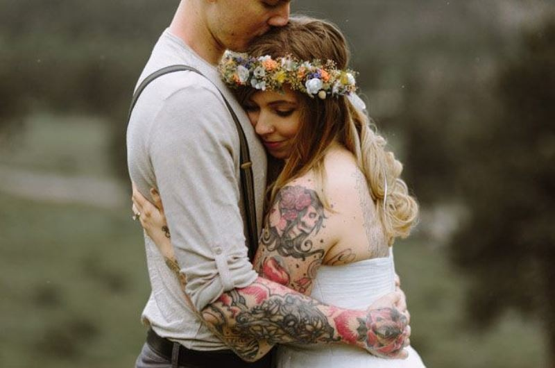 Picture Of gorgeous brides that embrace their tattoos  6
