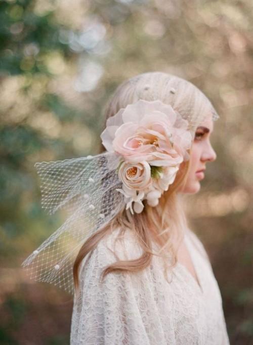 Gorgeous Oversized Bridal Hair Flowers Ideas