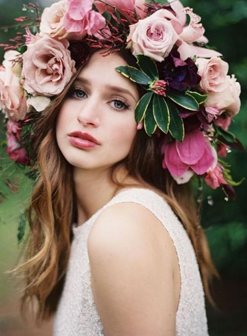 30 Gorgeous Oversized Bridal Hair Flowers Ideas - Weddingomania