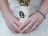 30 Great Ways Of Using Vintage Brooches In Your Wedding