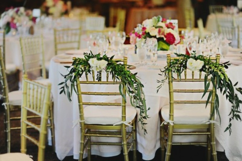 https://i.weddingomania.com/30-ideas-of-chair-decor-with-pretty-floral-swags-and-posies-13.jpg