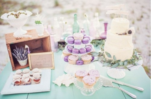 purple macarons and greenery touches for a chic mint and purple wedding in spring or summer