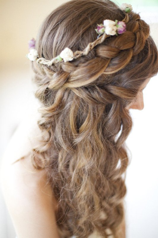 Beach wedding hair… it sounds so easy