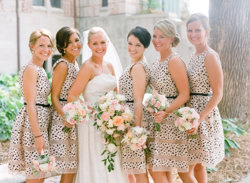30 Pretty Floral And Printed Bridesmaids' Dresses - Weddingomania