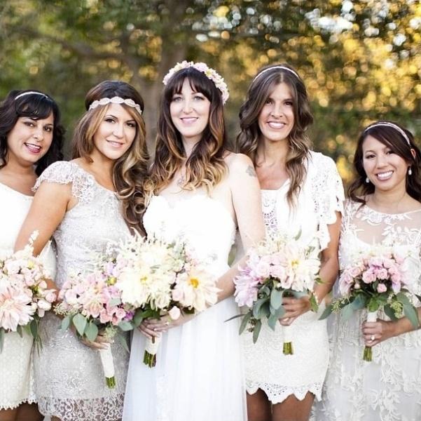 30 Pretty Lace Bridesmaid's Dresses Ideas - Weddingomania