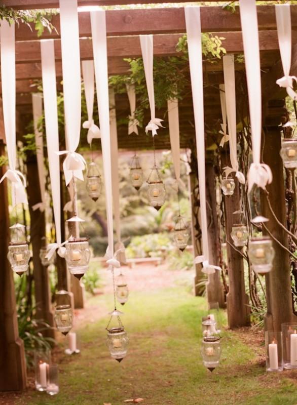 30 Romantic And Whimsical Wedding Lightning Ideas And Inspiration    Weddingomania