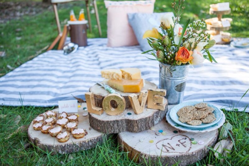 Picture Of Romantic Wedding Picnic Ideas
