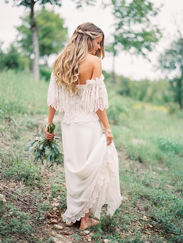 Of stylish and pretty backyard wedding dresses 1