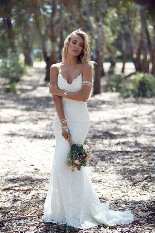 30 Stylish And Pretty Backyard Wedding Dresses Weddingomania