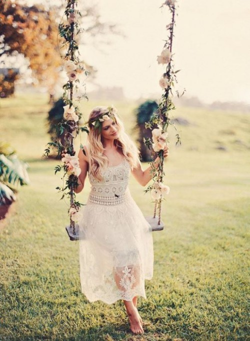 30 Stylish And Pretty Backyard Wedding Dresses - Weddingomania
