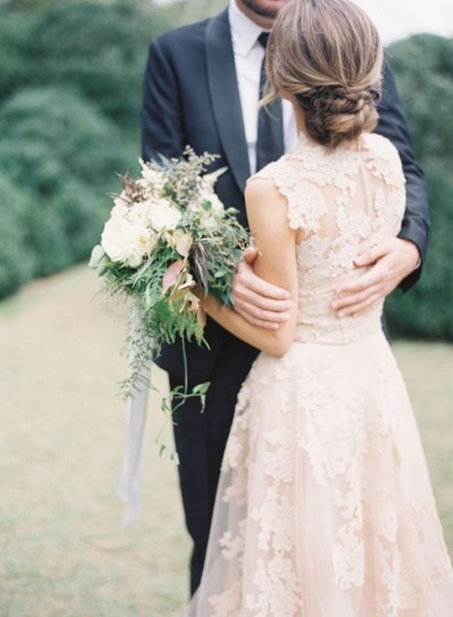 Charming Stylish And Pretty Backyard Wedding Dresses Ideas