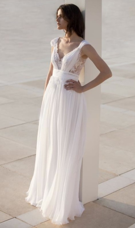 30 Stylish And Pretty Backyard Wedding Dresses - Weddingomania