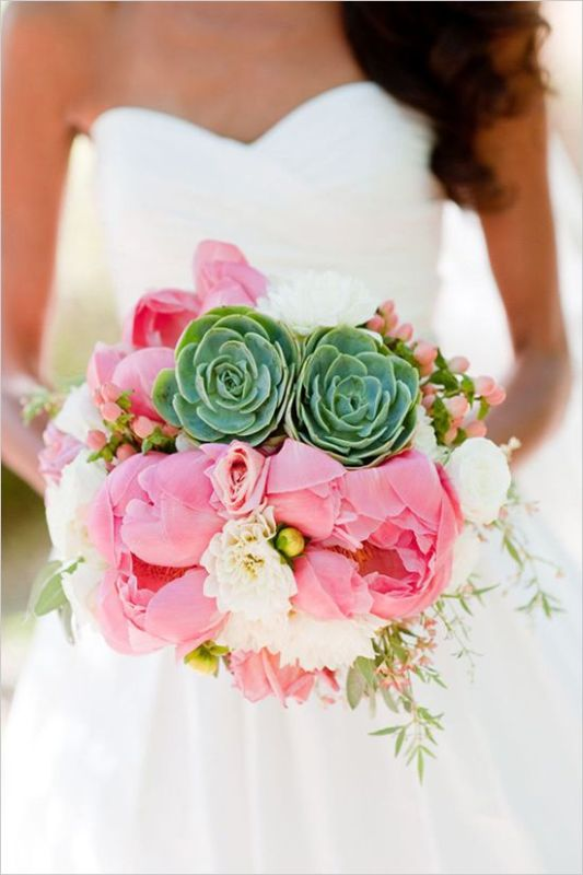 a bright wedding bouquet with white and pink peonies, succulents and berries is a bright and cool idea for a wedding