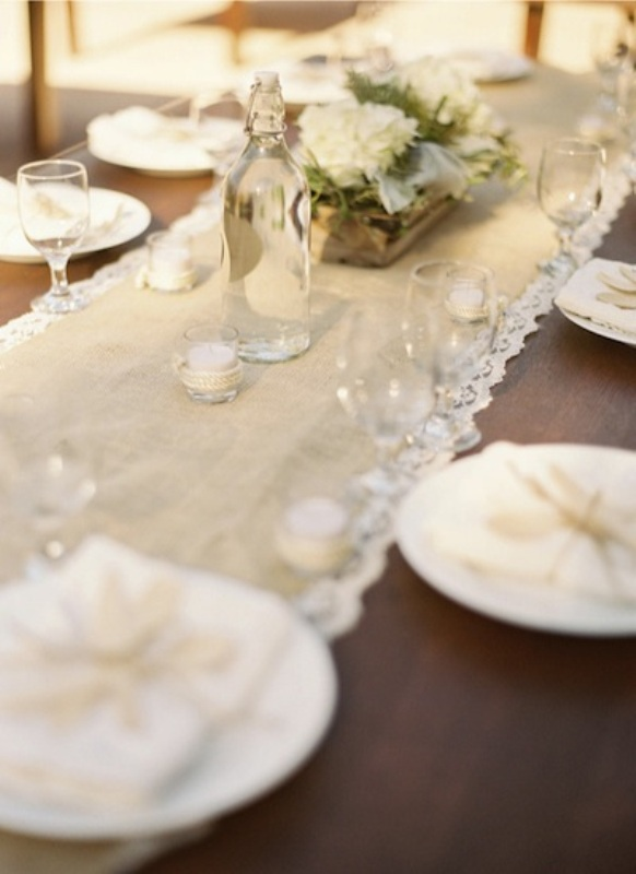 Wedding Table   runner Weddingomania wedding  30 Ideas Runner table