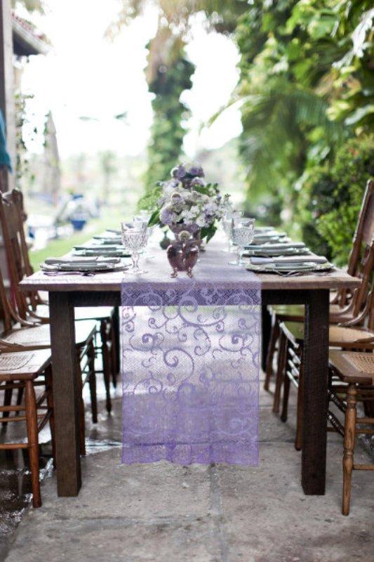 runner 30 Ideas Weddingomania  Table  Runner Wedding  wedding table