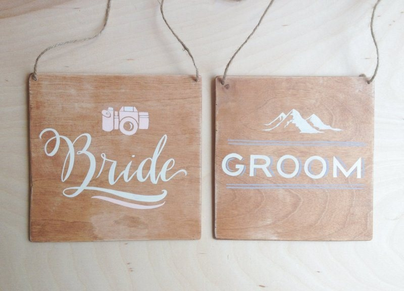 add mountain theme to your wedding signage, too, to embrace the location and highlight the theme