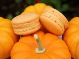 macarons are great wedding favors