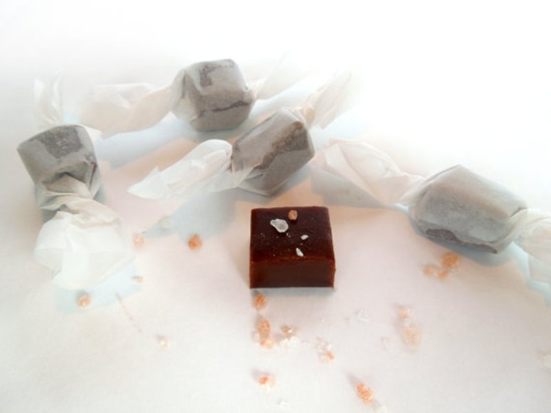 chocolate is always ideal for wedding favors, no one can resist such delicious desserts and they will be loved by everyone