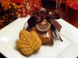 leaf-shaped cookies are great and crowd-pleasing wedding favors for a lovely and cozy fall wedding