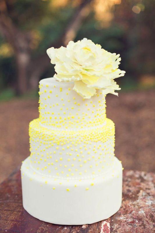 Lovely And Joyful Yellow Wedding Cakes