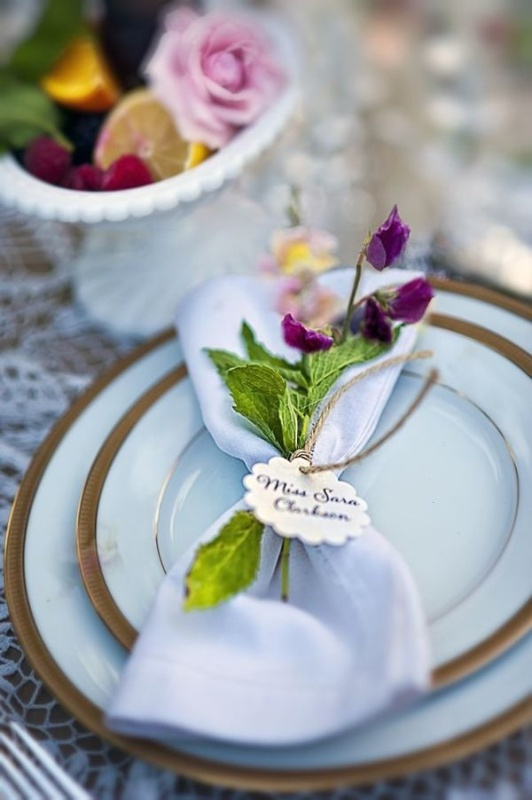 31 Wonderful Ways To Acсessorize Your Wedding Napkins