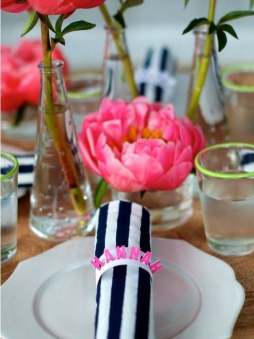 Wonderful Ways To Acсessorize Your Wedding Napkins