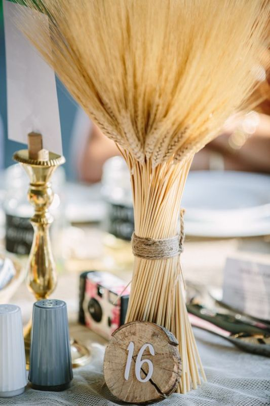 Picture Of wheat decor ideas for a rustic country wedding  21