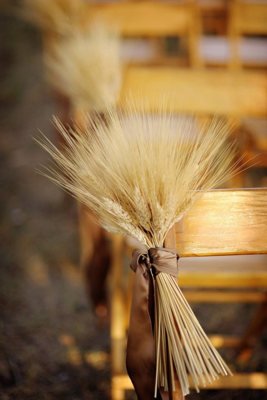 Picture Of wheat decor ideas for a rustic country wedding  5