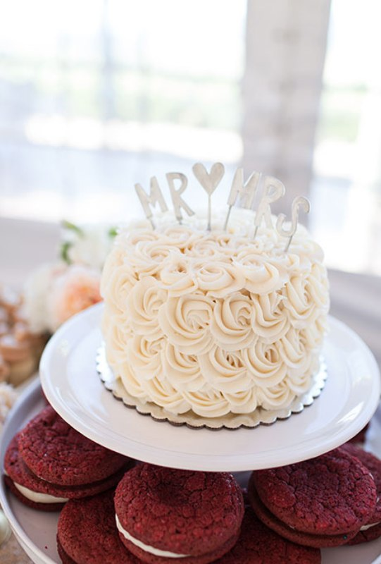 picture of pretty one tier wedding cakes to get inspired 33
