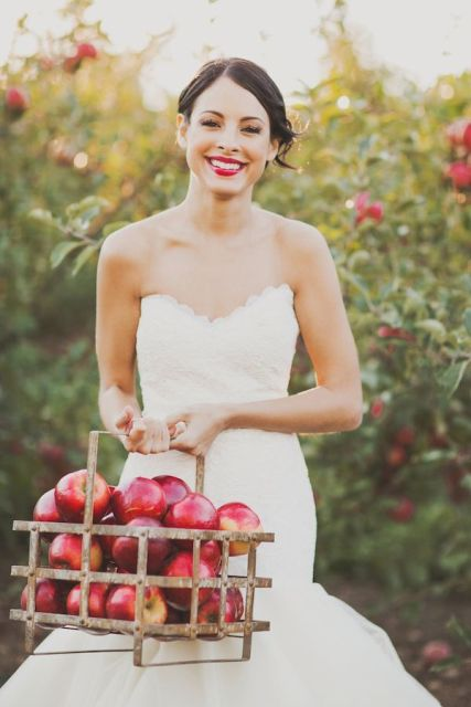 Apple Red Wedding Dress