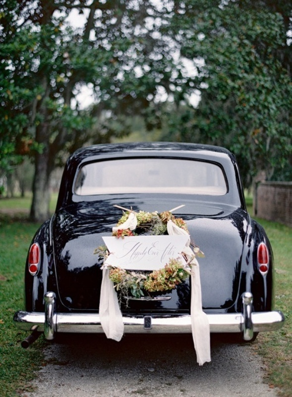 picture of cool and creative wedding getaway car decor ideas. Black Bedroom Furniture Sets. Home Design Ideas