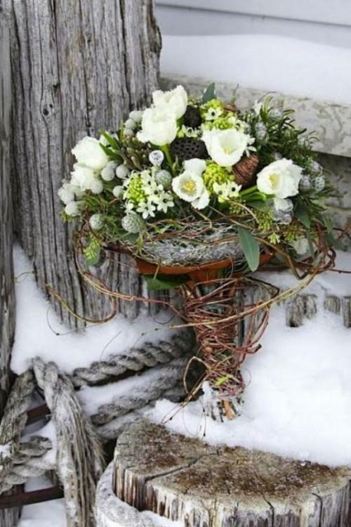 a vine and branch bouquet wrap is a gorgeous rustic idea for fall and winter