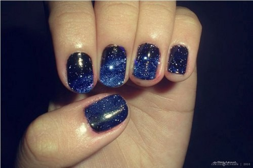 midnight blue wedding nailts with stars are amazing for a celestial bride