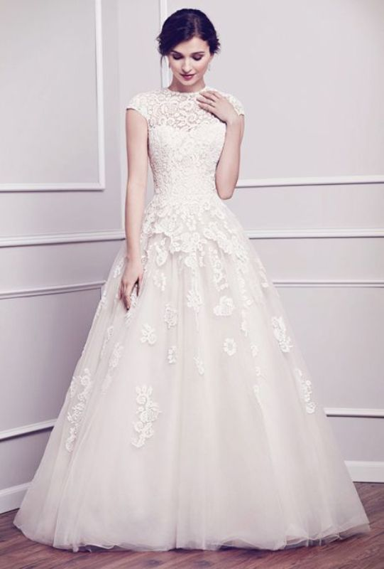Picture Of stunning wedding dresses to feel like a princess  10