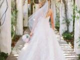 35-stunning-wedding-dresses-to-feel-like-a-princess-15