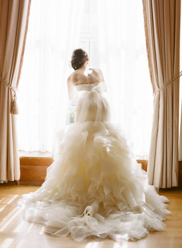 Picture Of stunning wedding dresses to feel like a princess  16