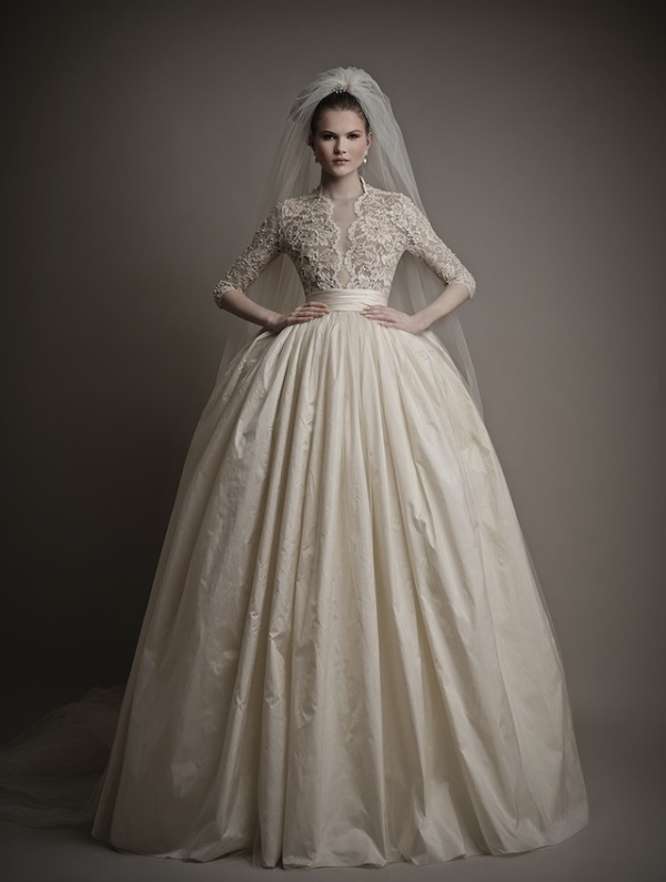 Picture Of stunning wedding dresses to feel like a princess  19