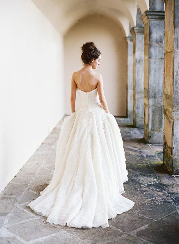 Picture Of stunning wedding dresses to feel like a princess  20