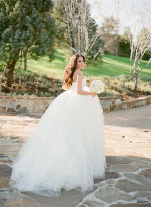 Picture Of stunning wedding dresses to feel like a princess  21