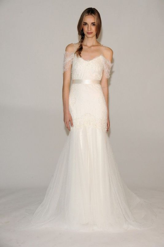 Picture Of stunning wedding dresses to feel like a princess  22