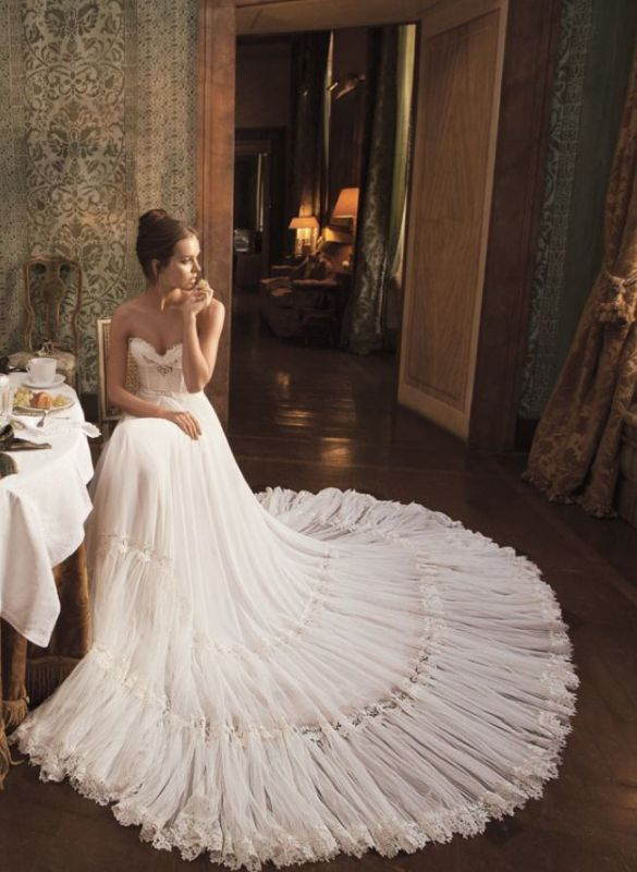 Picture Of stunning wedding dresses to feel like a princess  23