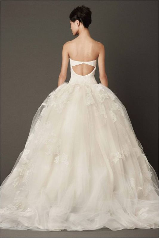 Picture Of stunning wedding dresses to feel like a princess  30