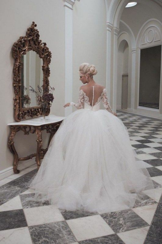 Picture Of stunning wedding dresses to feel like a princess  32
