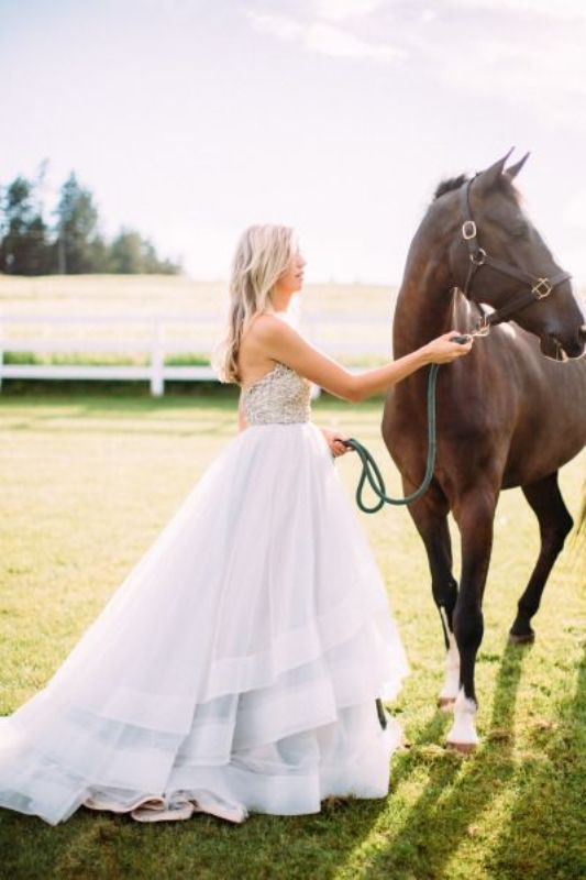 Picture Of stunning wedding dresses to feel like a princess  35