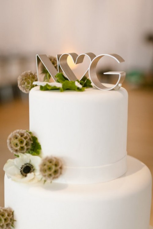 35 Funny And Cute Wedding Cake Toppers Weddingomania