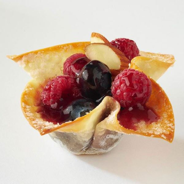 mini berry cups with raspberries, blueberries, cherries and almonds are gorgeous for summer or fall