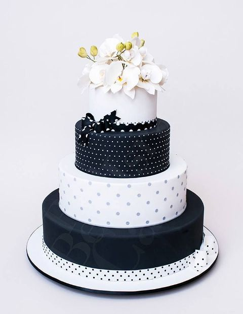 wedding cake stripes and polka dots 40 cheerful and playful polka dot wedding cakes 25766