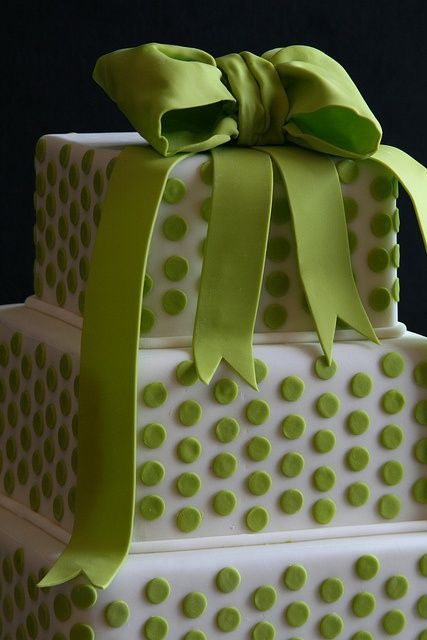 Picture Of Wedding Polka Dot Cakes 8